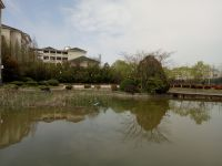 south_campus_1_another_lake_spring_01